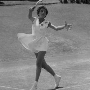Maria Bueno took to the grass at Wimbledon with instant success
