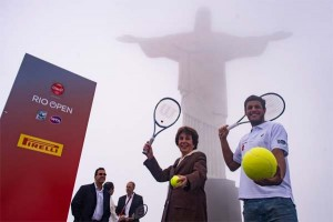 Launching the Rio Open at the foot of Christ the Redeemer - Maria Esther Bueno and João Olavo Souza (Feijão)